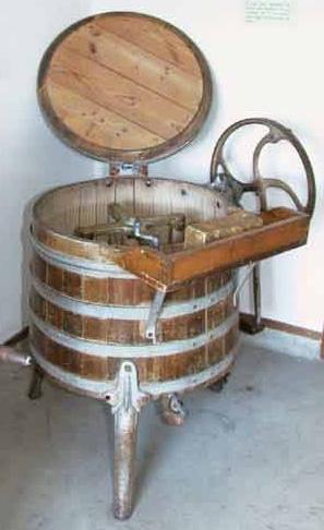 La lessive les jours de lessive fontaine fourches commune d 39 ile de france l 39 huilerie et les - Premiere machine a laver ...